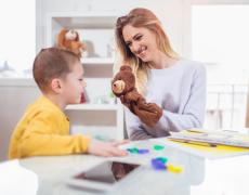 Proposer une médiation par le jeu à des enfants à besoins spécifiques (Dys et TDA/H)